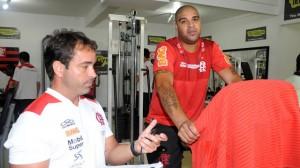 adriano-trabalha-para-recuperar-a-forma-fisica-em-sua-volta-ao-flamengo-1345922552592_1920x1080