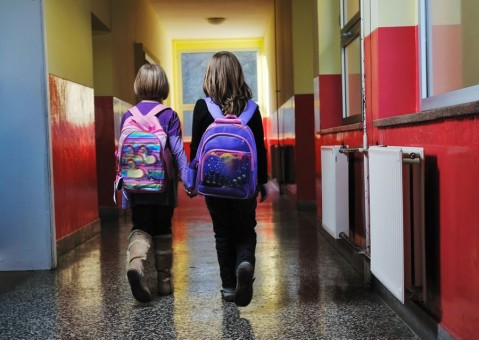 Peso da mochila não pode ultrapassar 10% do peso ideal da criança