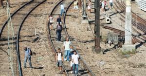 22jan2014---um-trem-descarrilou-no-comeco-da-manha-desta-quarta-feira-22-na-zona-norte-do-rio-de-janeiro-o-problema-afetou-todo-o-transporte-ferroviario-no-grande-rio-na-estacao-sao-francisco-de-1390392241760_956x500