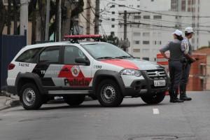 POLICIAL MILITAR É BALEADO NA CABEÇA