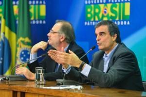 Coletiva-de-imprensa-com-Jose-Eduardo-Cardozo-e-Miguel-Rossetto-apos-protestos-foto-Jose-Cruz-Agencia-Brasil_0005-850x565