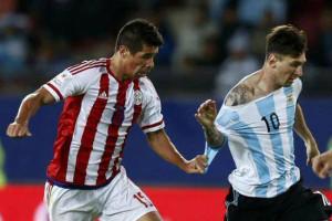 Caceres-Messi-Foto-ReproducaoFacebook_LANIMA20150614_0026_26