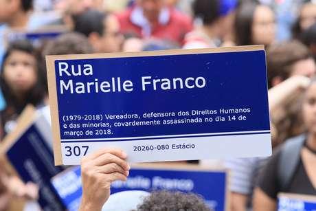Marielle2placa